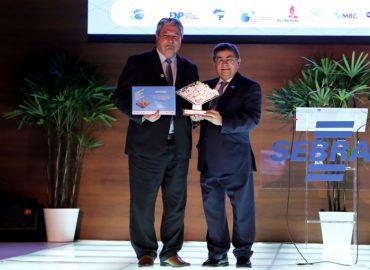 Prefeito de Gramado recebe prêmio de empreendedorismo do SEBRAE